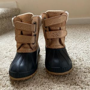 Gap Sherpa Duck Boots with 3M Thinsulate size 7/8